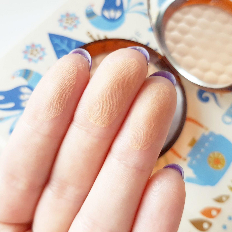 Best Bronzer For Pale Skin | The Body Shop Honey Bronze Powder