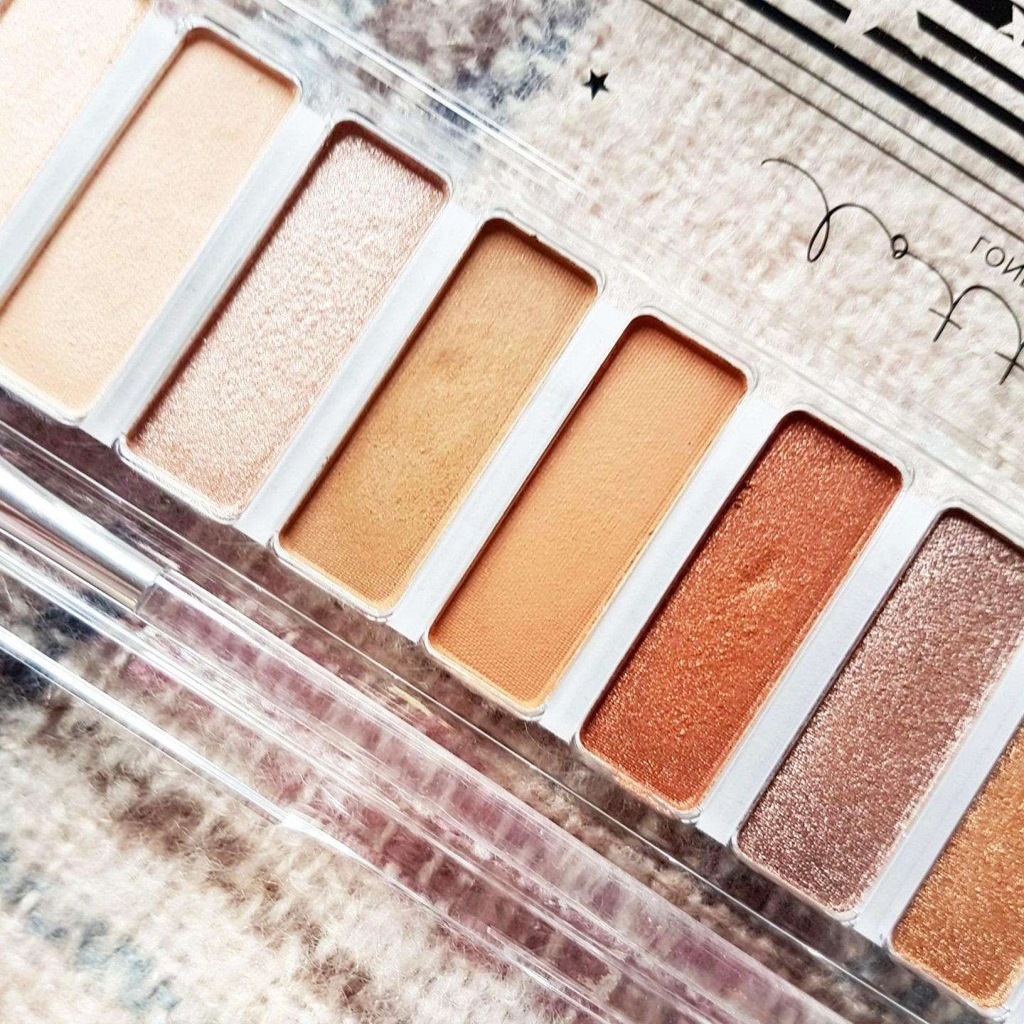 Lottie London The Rusts Shadow Swatch Eyeshadow Palette