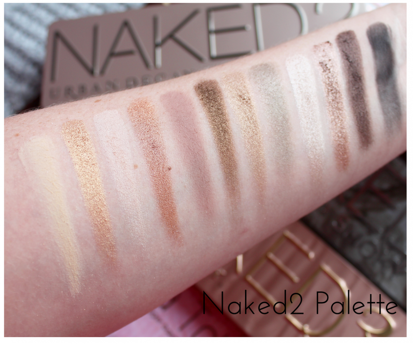 Urban Decay Naked2 Eyeshadow Palette Swatched