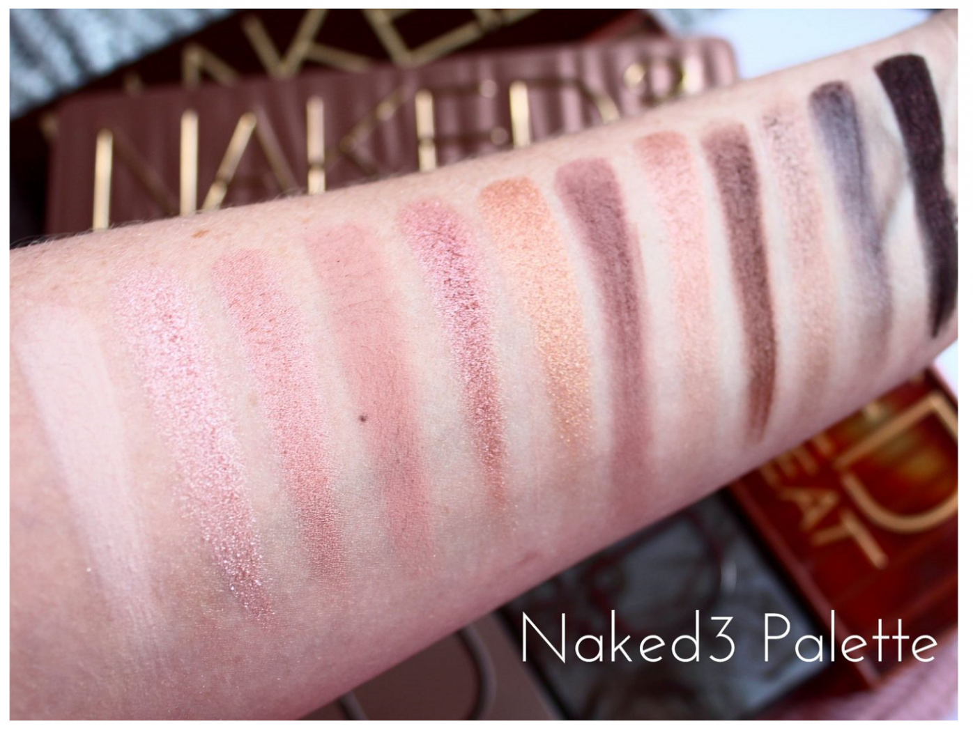 Urban Decay Naked3 Eyeshadow Palette Swatched