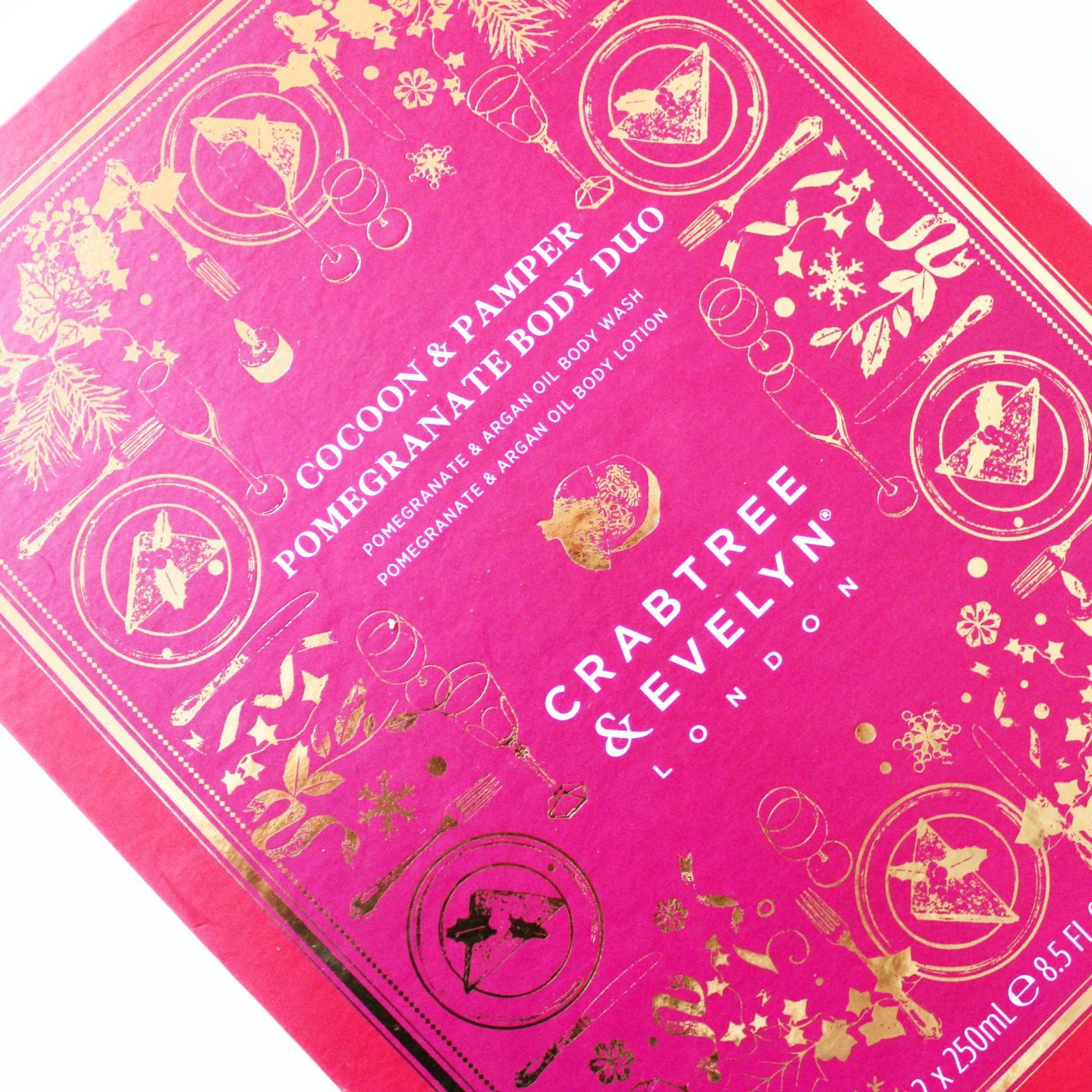 Crabtree & Evelyn Christmas Collection | Cocoon & Pamper Body Gift Set