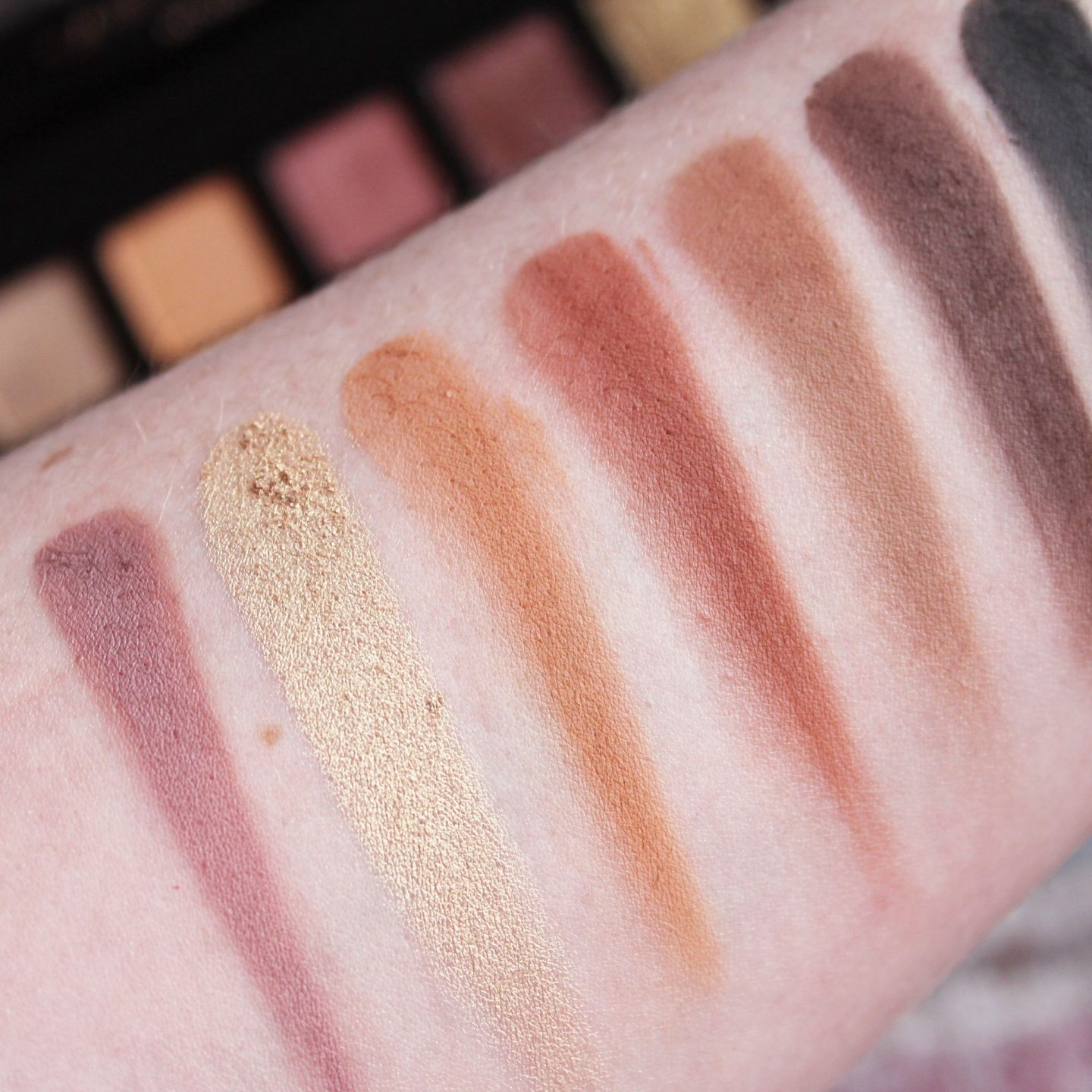 Anastasia Beverly Hills Soft Glam Eyeshadow Palette Review & Swatches