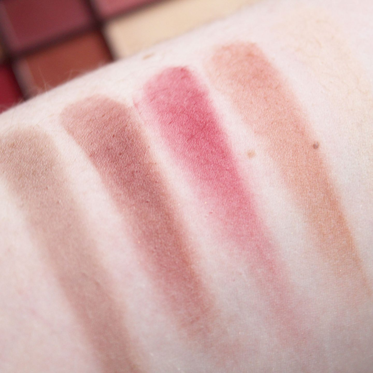 I Heart Makeup Chocolate Rose Gold Eyeshadow Palette Swatches