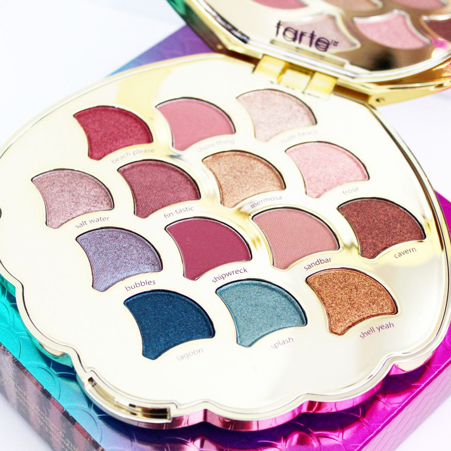 Giveaway | Tarte Be a Mermaid & Make Waves Eyeshadow Palette