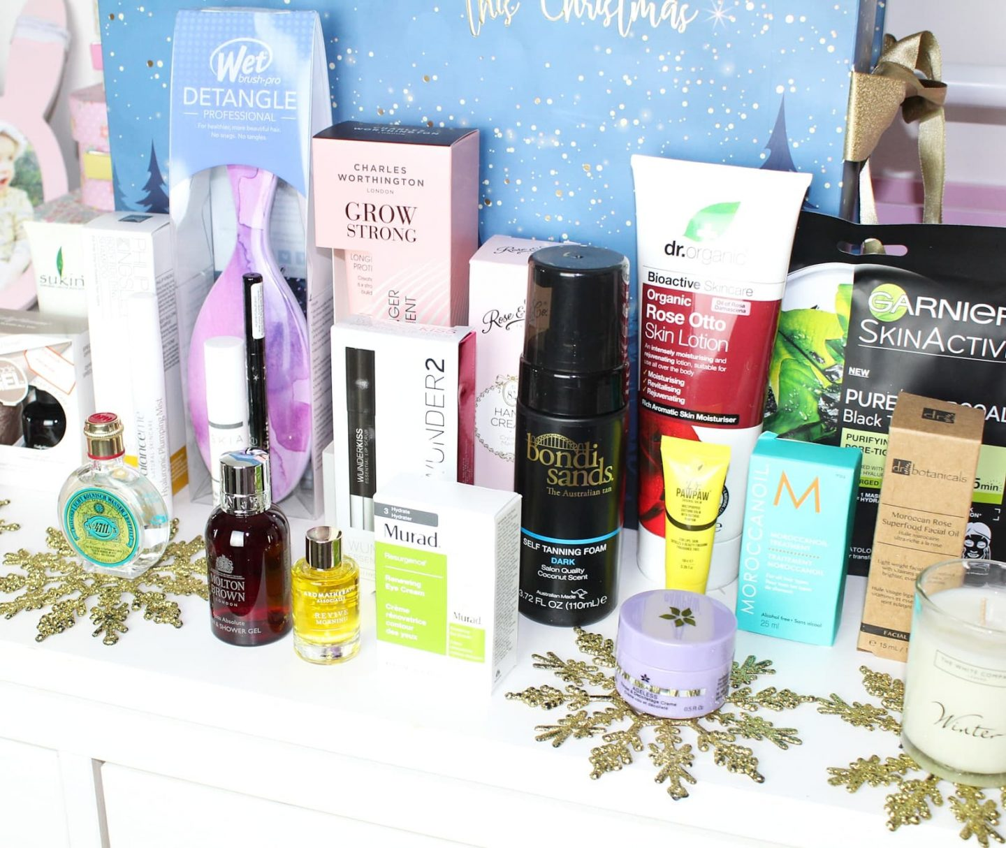 The Latest in Beauty Christmas Advent Calendar | Major Spoilers Ahead!