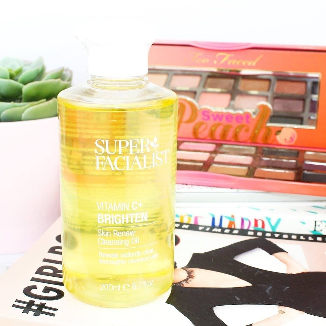 Super Facialist Vitamin C+ Brighten Cleansing Oil